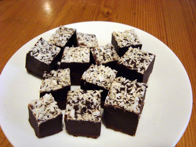 Coco cacao cubes a.k.a. vegan chocolate fudge recipe
